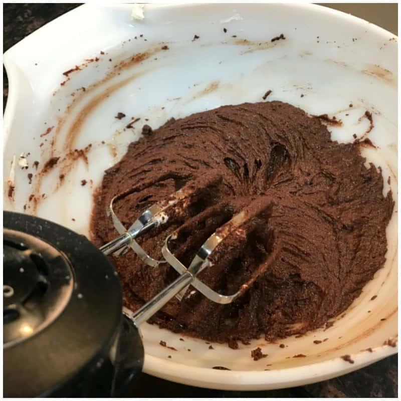 Low Carb Dark Chocolate Fudge Recipe - Keto Dessert Ideas